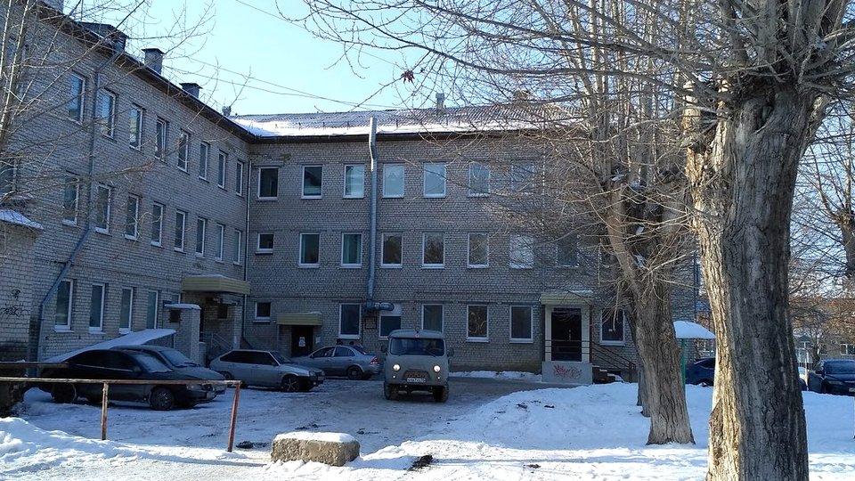 В Каменске-Уральском очередей в детские поликлиники нет, справки не нужны