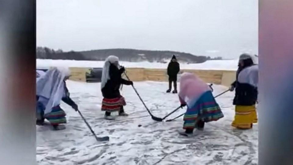 Башкирские пенсионерки собрались в хоккейную команду