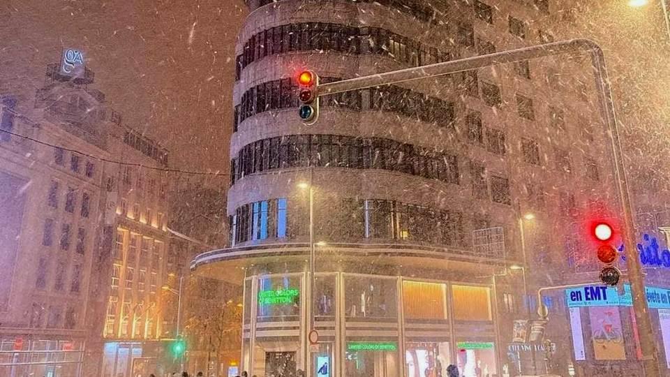 """Снежный циклон """"Филомена"""" парализовал Мадрид"""