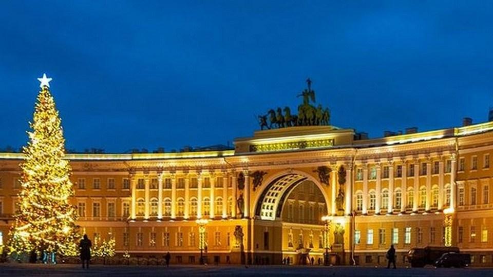 Власти Петербурга ждут три новые волны COVID-19 после праздников