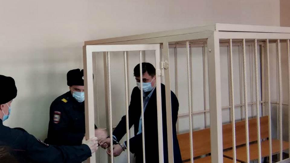 Вице-мэр Челябинска Олег Извеков арестован на два месяца