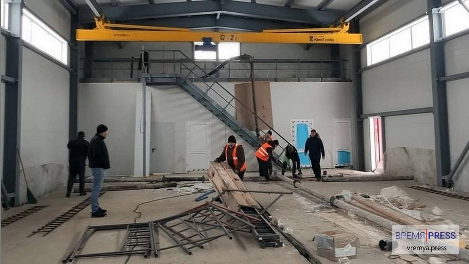 В поселке Чкалова продолжается строительство центрального теплового пункта