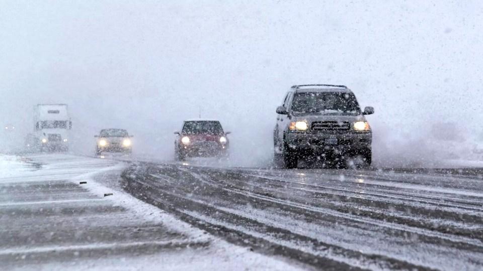 Урал оказался в эпицентре снежной метели