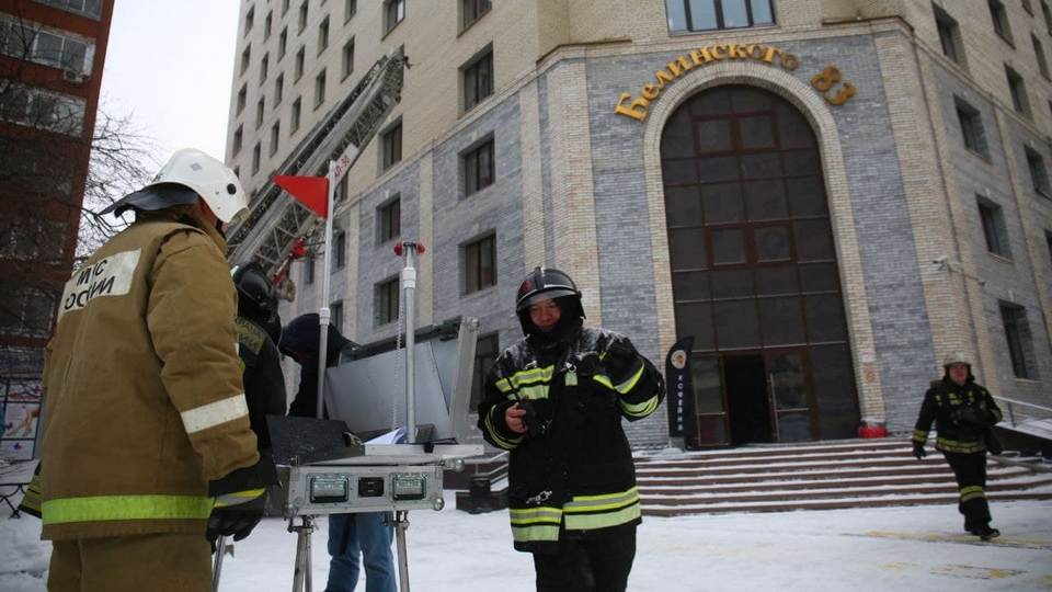 Три человека пострадали при пожаре в высотке на Белинского в Екатеринбурге
