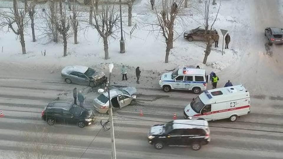 В утреннем ДТП на Ленинском пострадали три человека