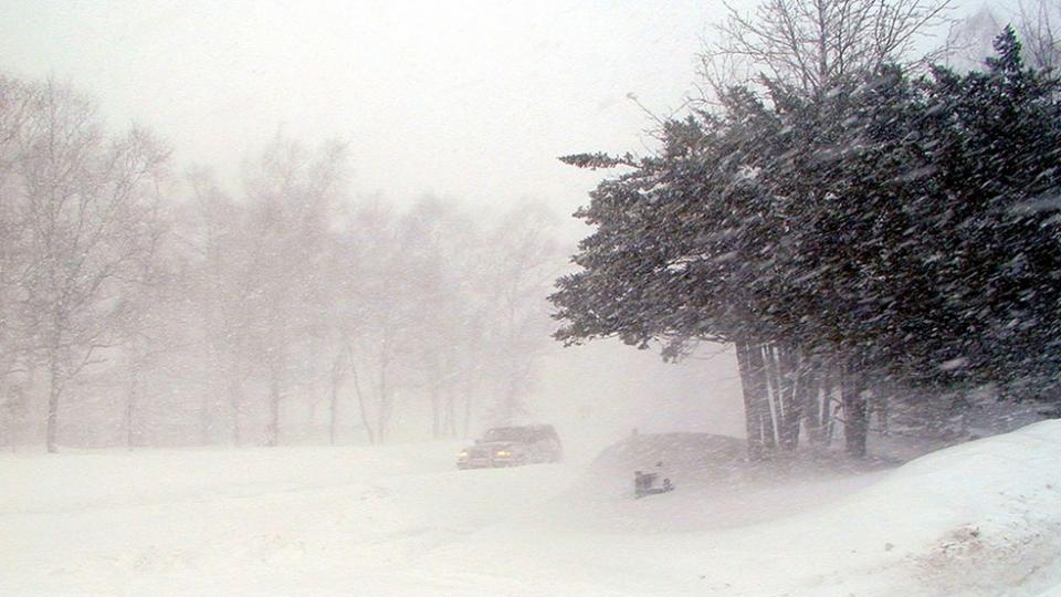 Спасатели Свердловской области предупреждают об ухудшении погоды и снегопаде