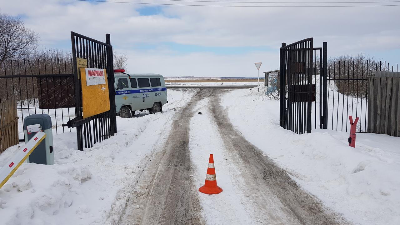 В Каменске-Уральском ищут очевидцев двух ДТП: пострадали ЛЭП и шлагбаум
