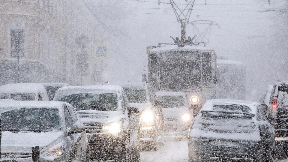 Москва готовится к снежному шторму предстоящей ночью