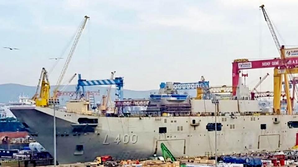 Новый турецкий авианосец Anadolu хотят оснастить ударными беспилотниками