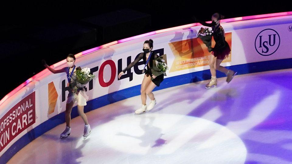 Российские фигуристки впервые в истории российского спорта заняли весь пьедестал на ЧМ в Швеции