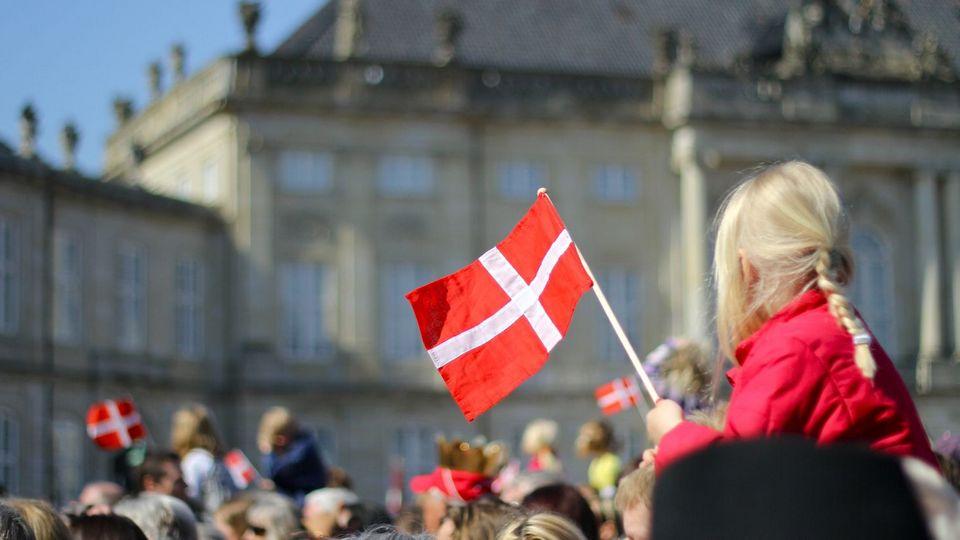 В Дании хотят разрешить 10-летним детям юридическую смену пола
