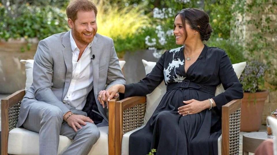 Британцы разделились на два лагеря после интервью принца Гарри и Меган Маркл