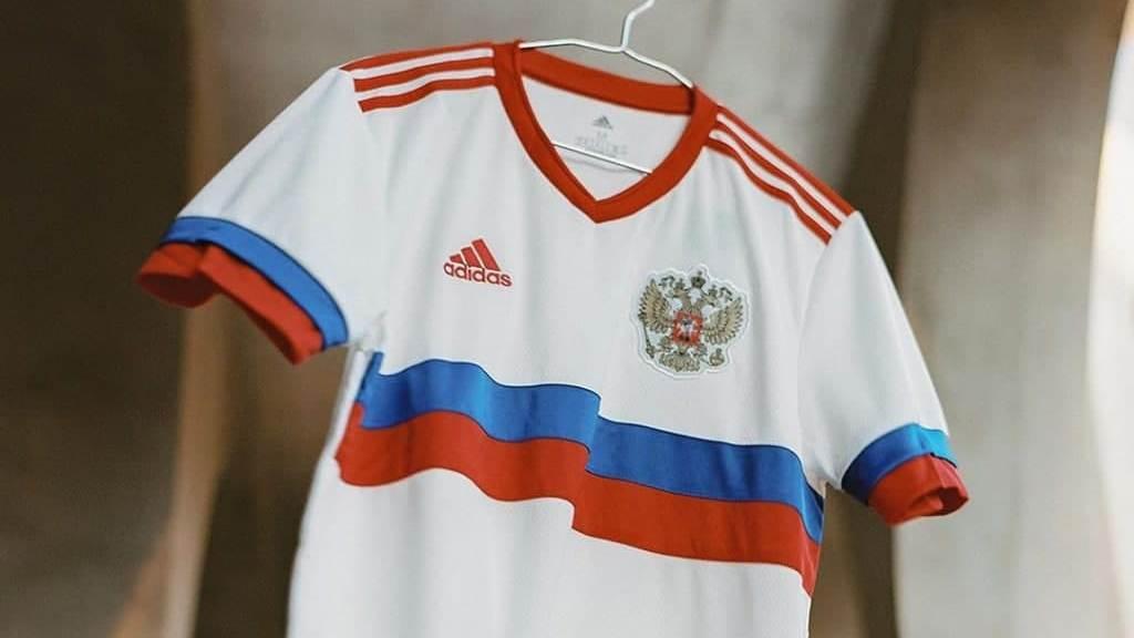 Сборная России по футболу представила новую форму для Евро-2020