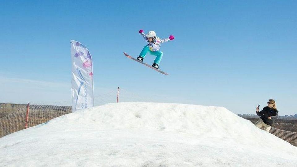 Юные каменские сноубордисты вернулись с медалями с первых соревнований
