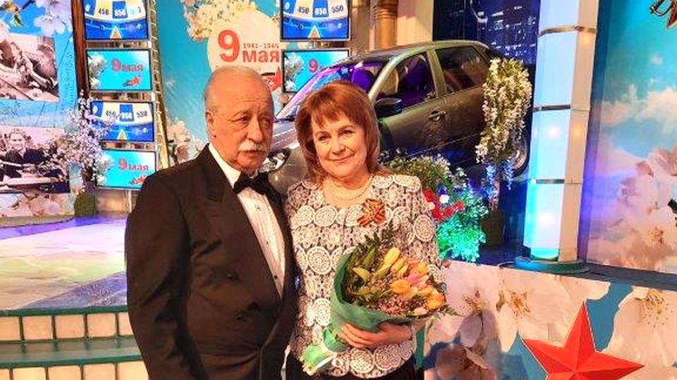Председатель совета ветеранов СинТЗ приняла участие в праздничном выпуске шоу Поле чудес