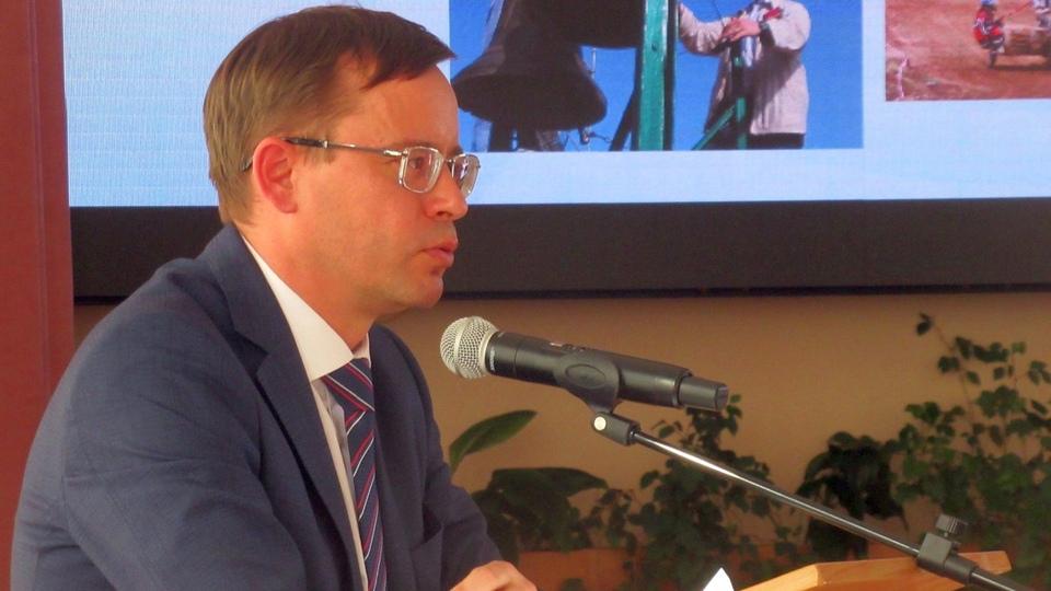 Глава Каменска-Уральского Алексей Герасимов поздравил горожан с 9 Мая