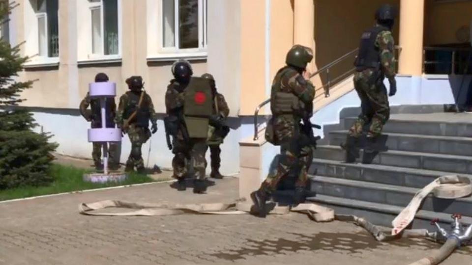 СК РФ и НАК рассказали подробности о стрельбе в школе Казани