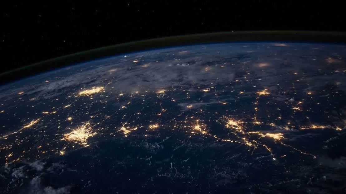 Над Екатеринбургом можно будет увидеть падение метеоритов