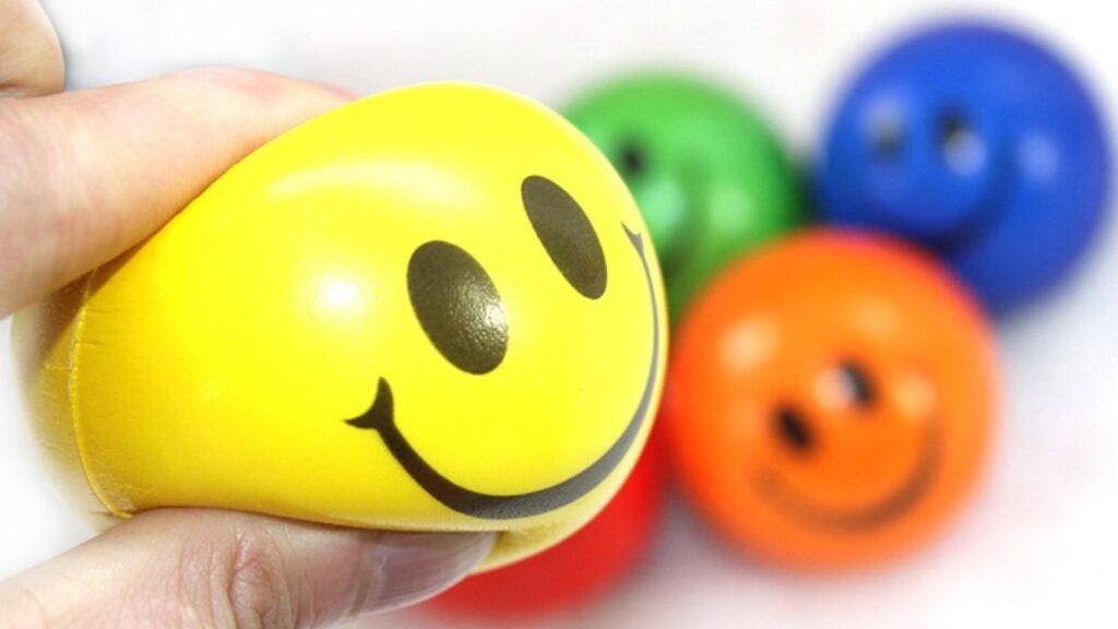 Роспотребнадзор проверит влияние антистресс-игрушек на детей