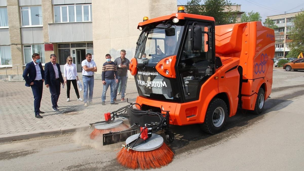 В Каменске-Уральском рассматривают вопрос покупки нового автомобиля для уборки тротуаров