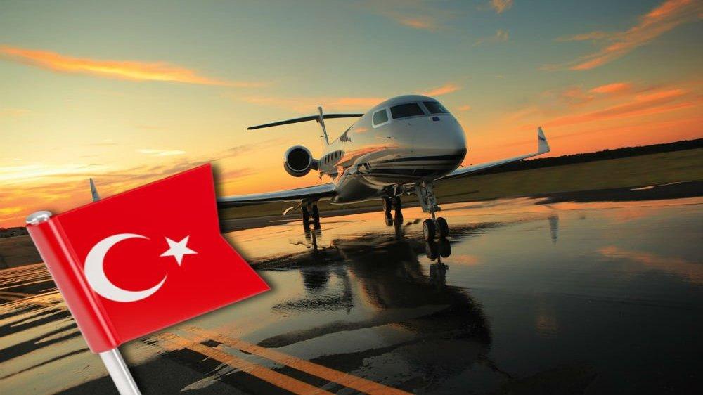 Сотни свердловчан улетели в Турцию первым же разрешённым рейсом