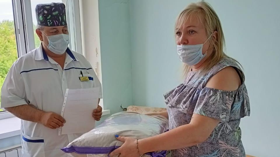 В Каменске-Уральском пациенты выбрали любимого доктора поликлиники