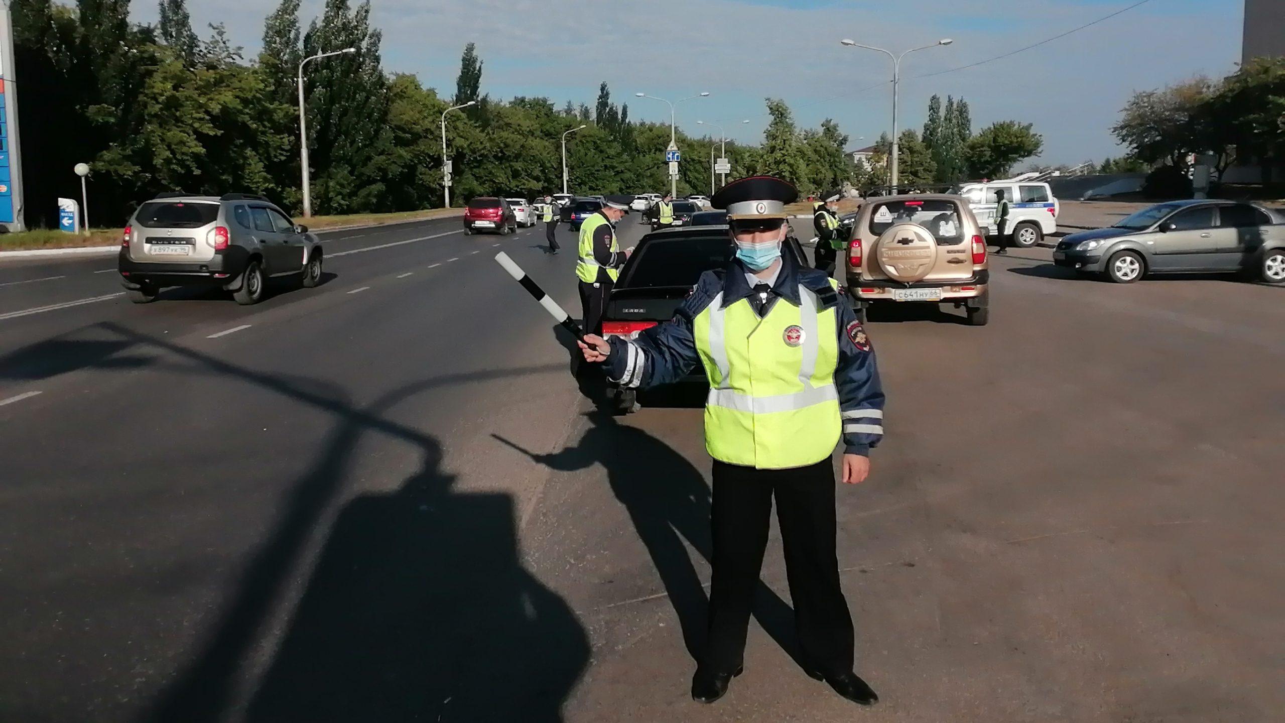 За три часа в Каменске-Уральском выявили за рулём одного пьяного водителя и пятерых без прав