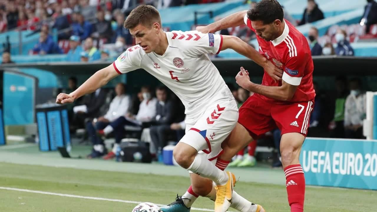 Капитан сборной России Артём Дзюба извинился перед болельщиками