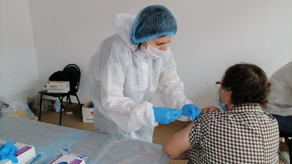 В больницы Свердловской области впервые поступила вакцина Спутник Лайт