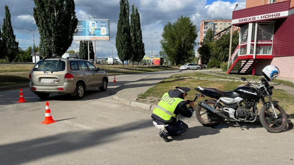 Мотоциклист пострадал в ДТП в Каменске-Уральском
