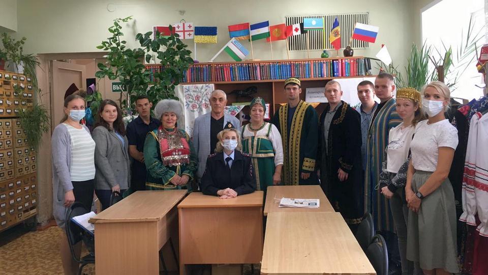 Будущие полицейские посетили музей национальных культур в Каменске-Уральском