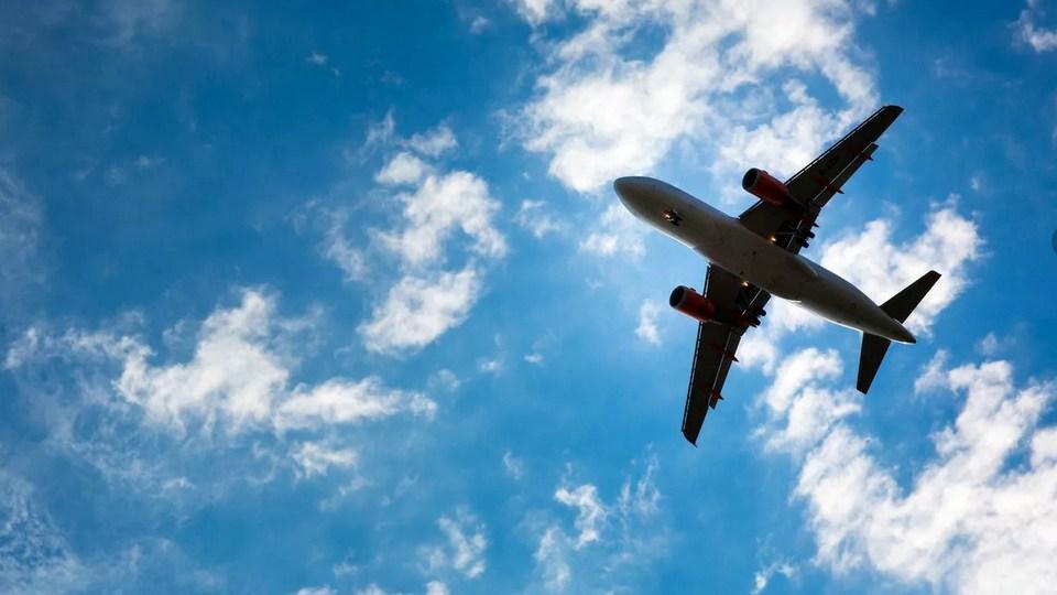 Россия возобновляет авиасообщение с Чехией и Францией и увеличивает число рейсов в ряд стран