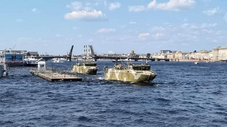 В Петербурге прошла сводная репетиция Главного парада ВМФ