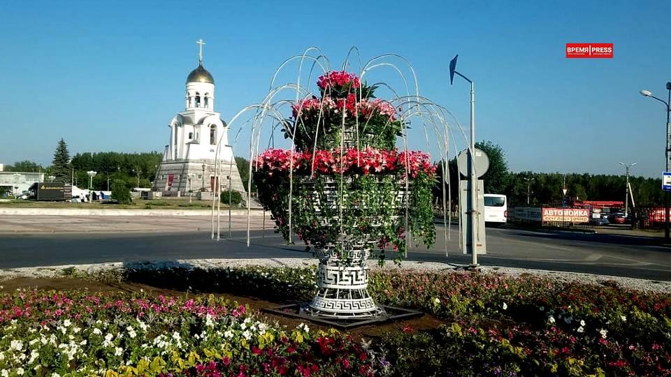 Световой фонтан появился в центре Каменска-Уральского