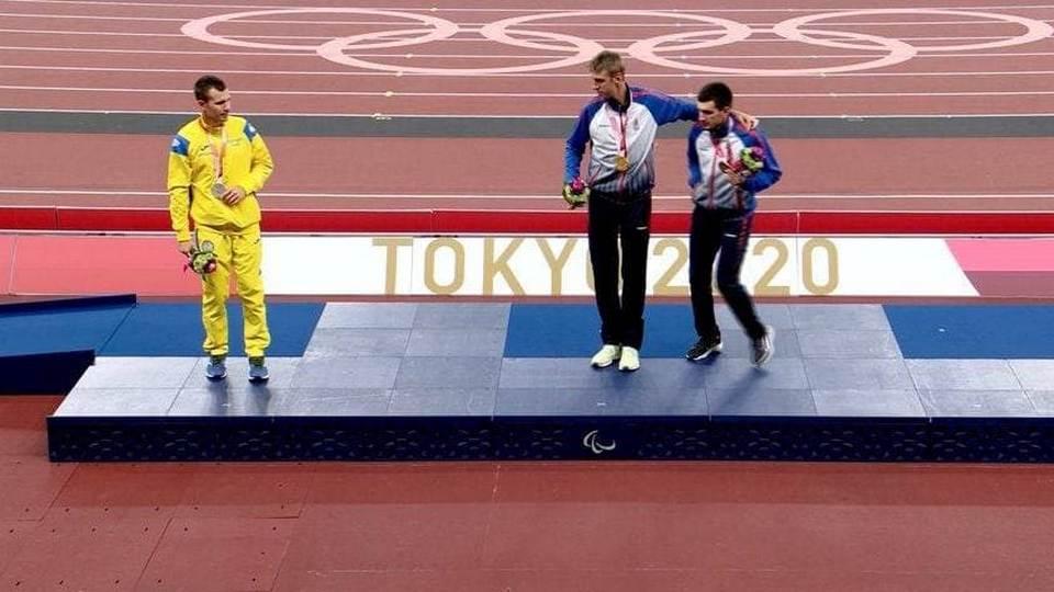Украинские спортсмены боятся фотографироваться с российскими паралимпийцами в Токио