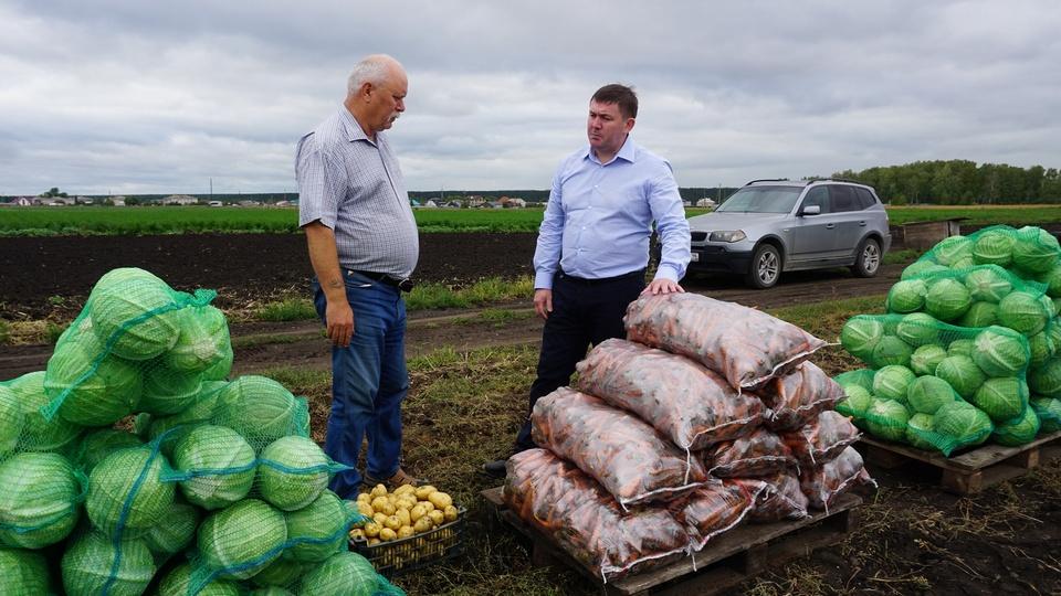 Замгубернатора Алексей Шмыков инспектирует агрофирмы Свердловской области