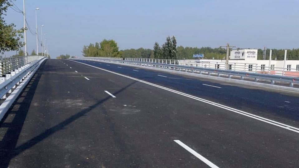 В Екатеринбурге спустя почти четыре месяца открыли движение по Блюхеровскому мосту