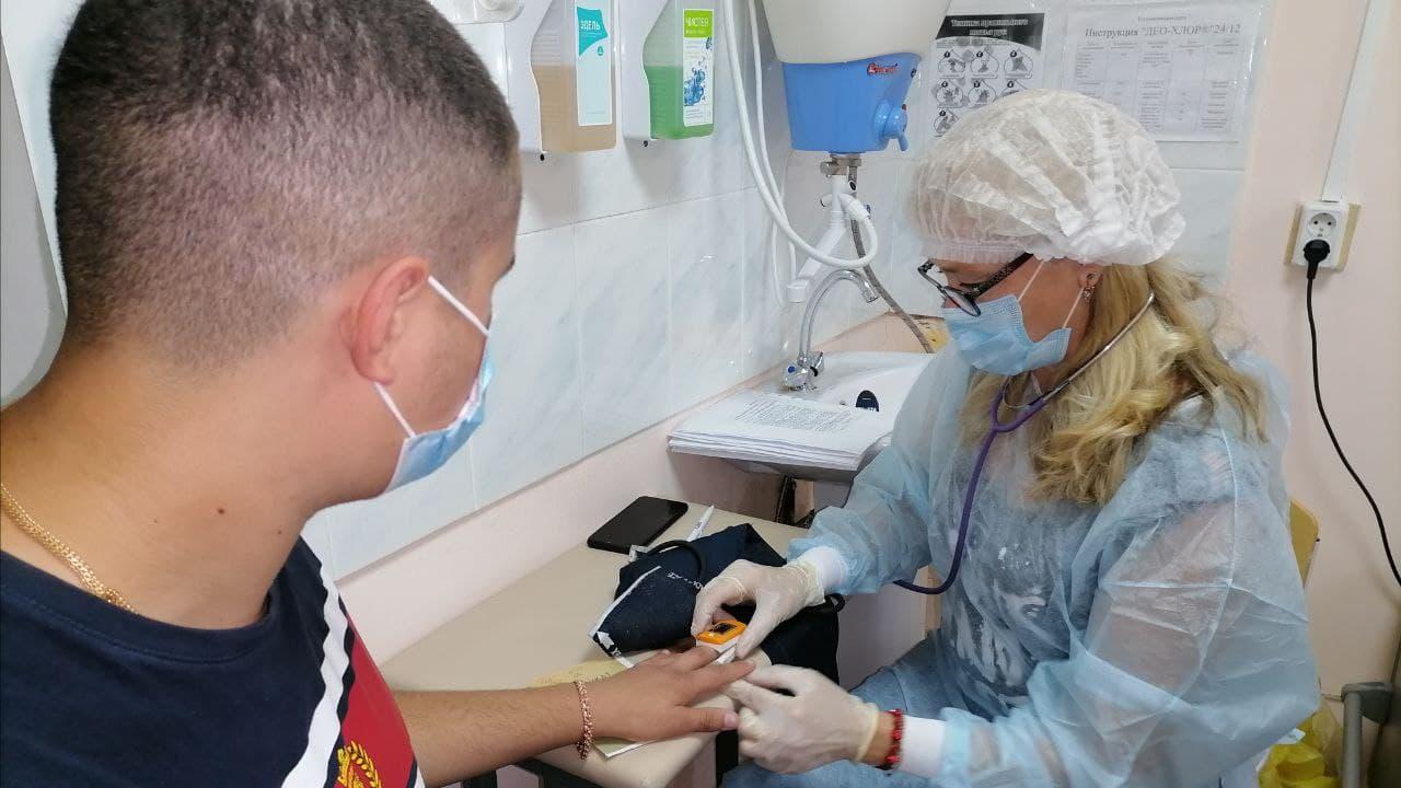 Выездная вакцинация студентов медицинского колледжа прошла в Каменске-Уральском