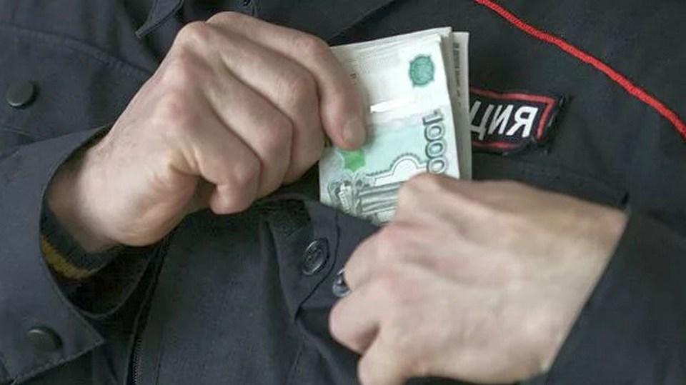 В Екатеринбурге экс-майор пойдет под суд за взятку в 300 тыс. рублей