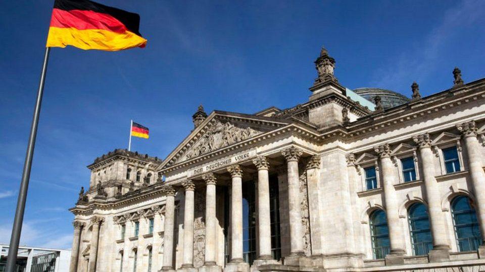 Шесть политических объединений проходят в новый состав бундестага в Германии