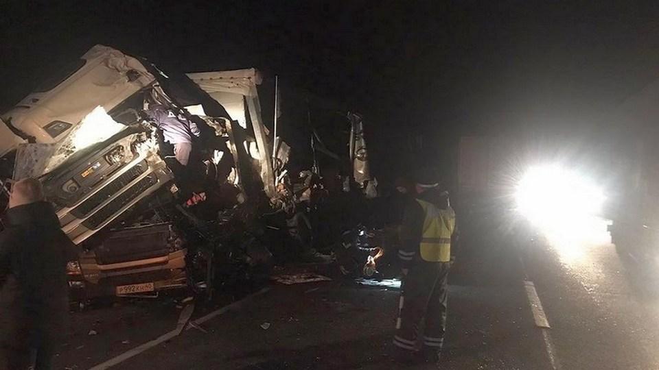 ГИБДД рассказала подробности смертельного ДТП с двумя грузовиками в Свердловской области