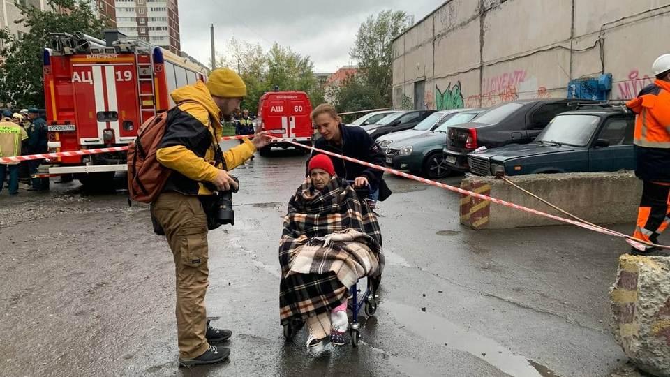 В жилом доме Екатеринбурга прогремел взрыв