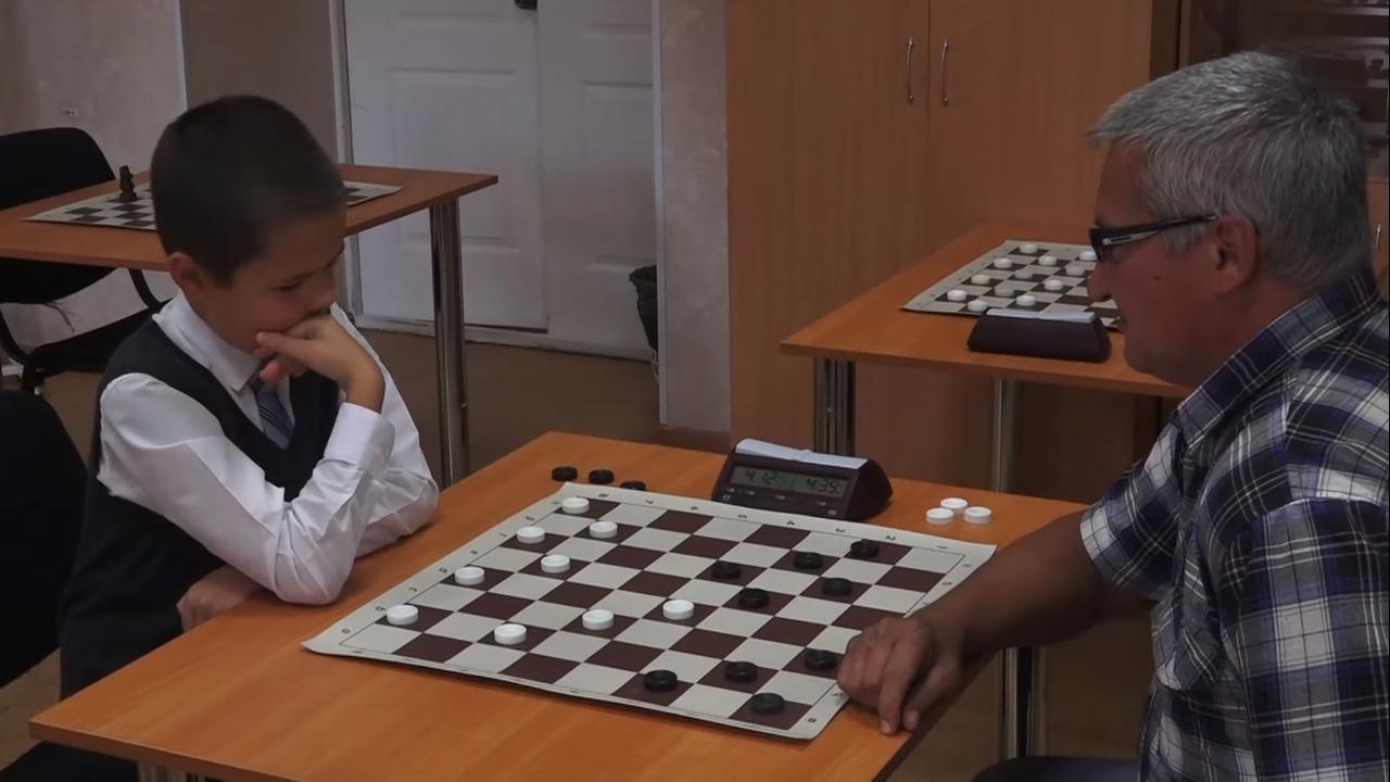 Уральский школьник стал чемпионом мира по шашкам