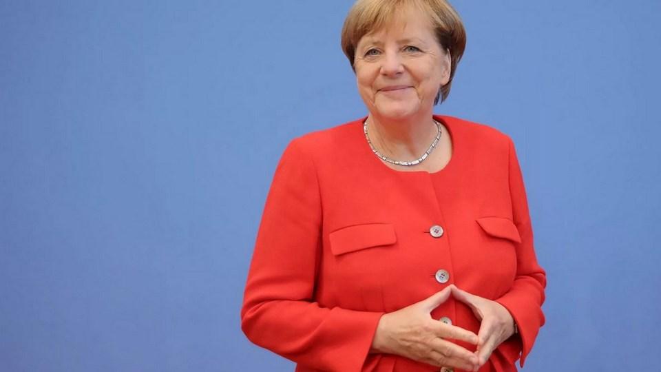 Фирма по продаже матрасов использовала жест Меркель в своей рекламе