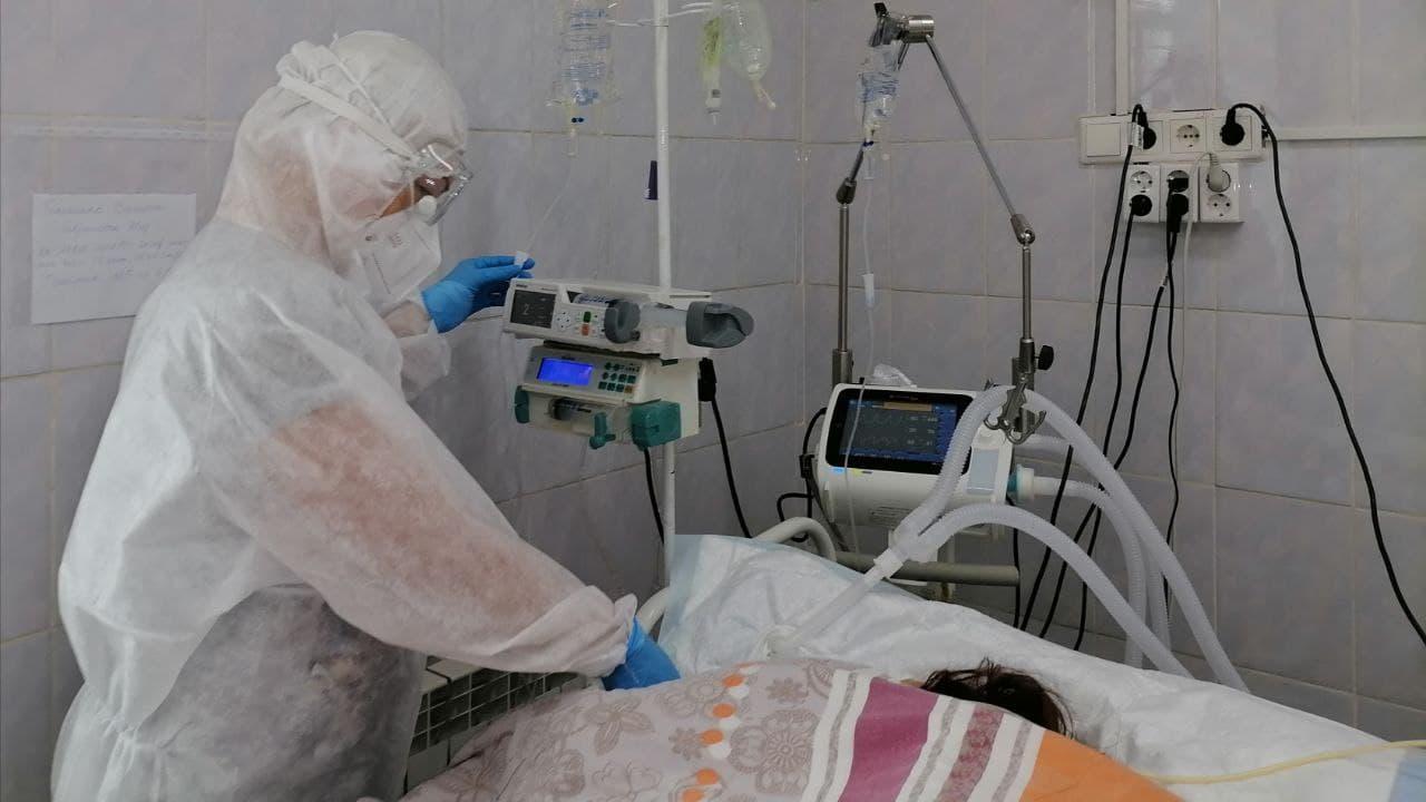 В Каменске-Уральском показали кадры из ковидного госпиталя
